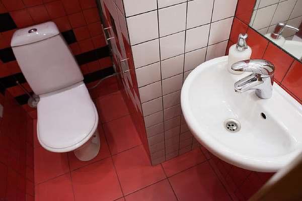 В туалете