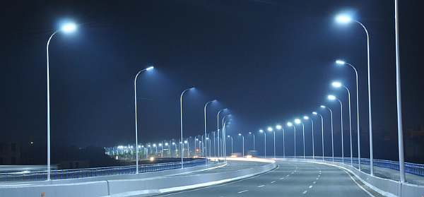 Освещение на дороге