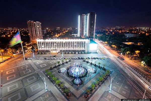 Площадь в городе