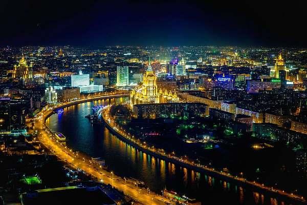 В городе ночью