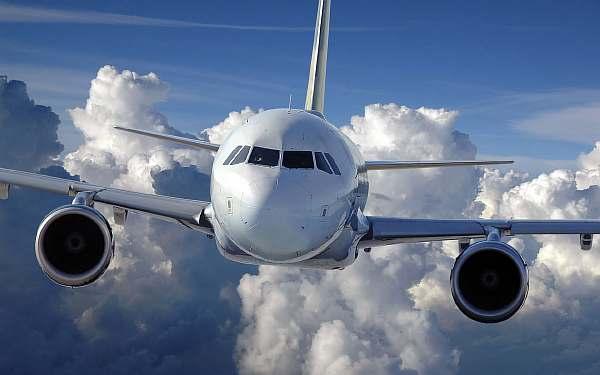 На какой высоте летают самолеты