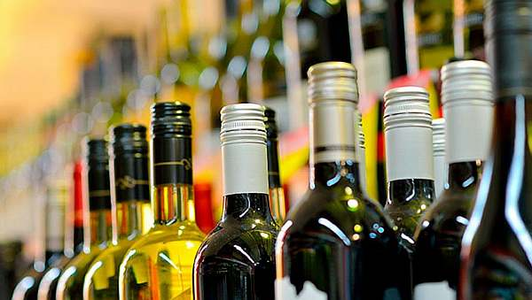 Вино на полках